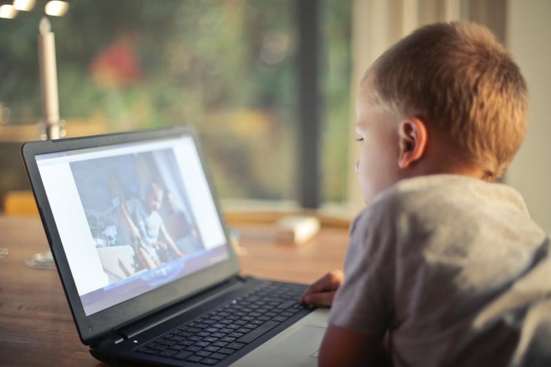 7 tips att minska barnets skärmtid