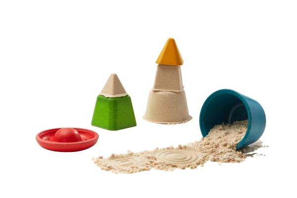 Sandleksaker i trä