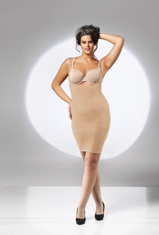 Shapingklänning beige plus size