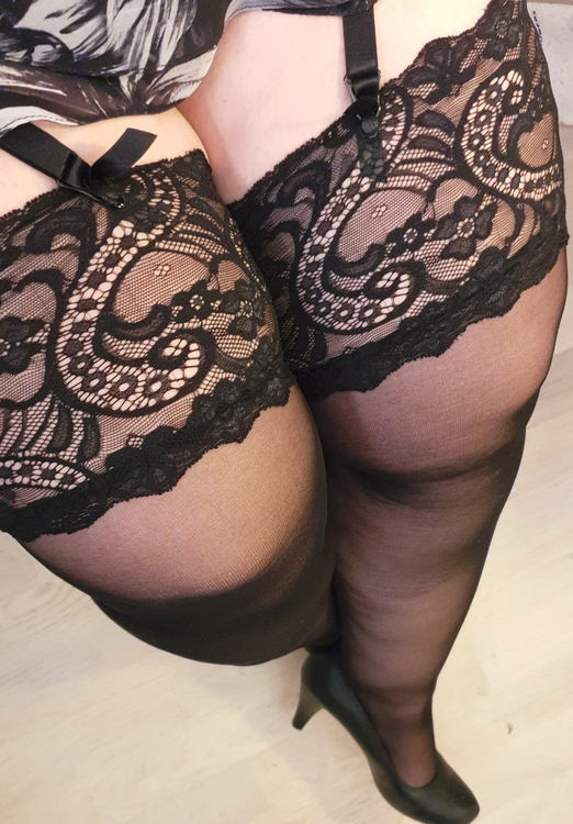 Stocking med bred  spets svart xl