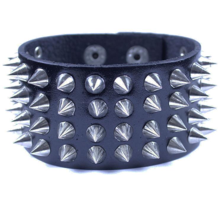 Läderarmband Nitar