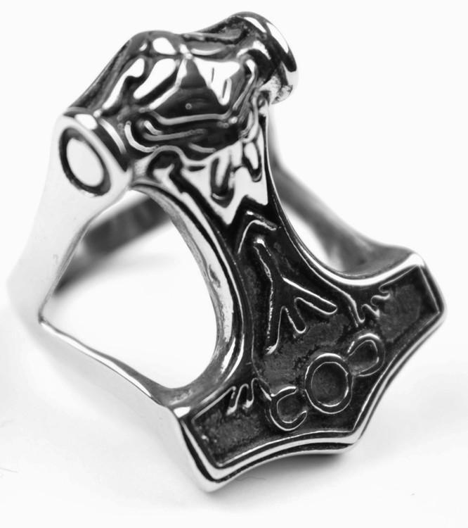 Ring Thors hammer Big