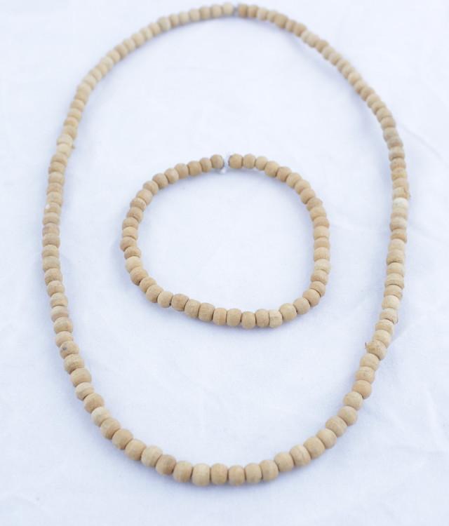 Smyckesset Små träkulor
