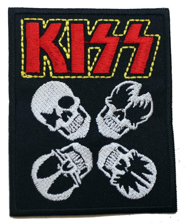 Kiss skulls