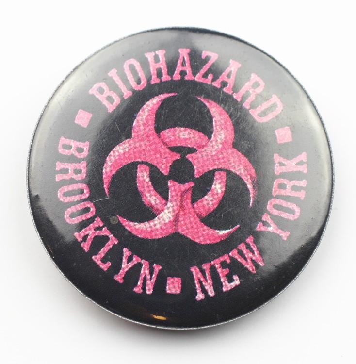 Pin Biohazard röd