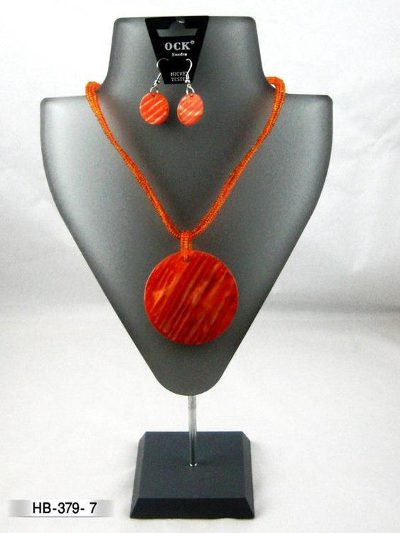 Halsband snäckskal med örhänge, flera färger