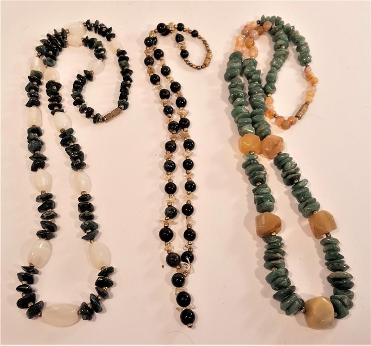 Halsband  i olika gröna färger, 3 olika att välja på, x1