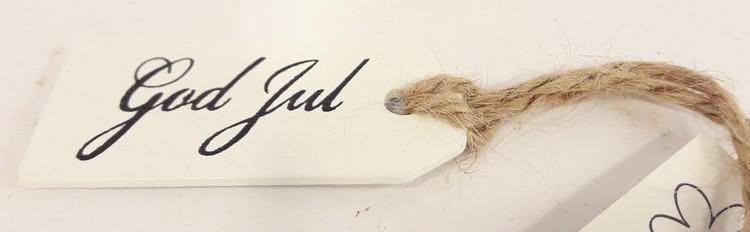 """Julpynt, skylt i trä med text """"God Jul"""", med snöre"""
