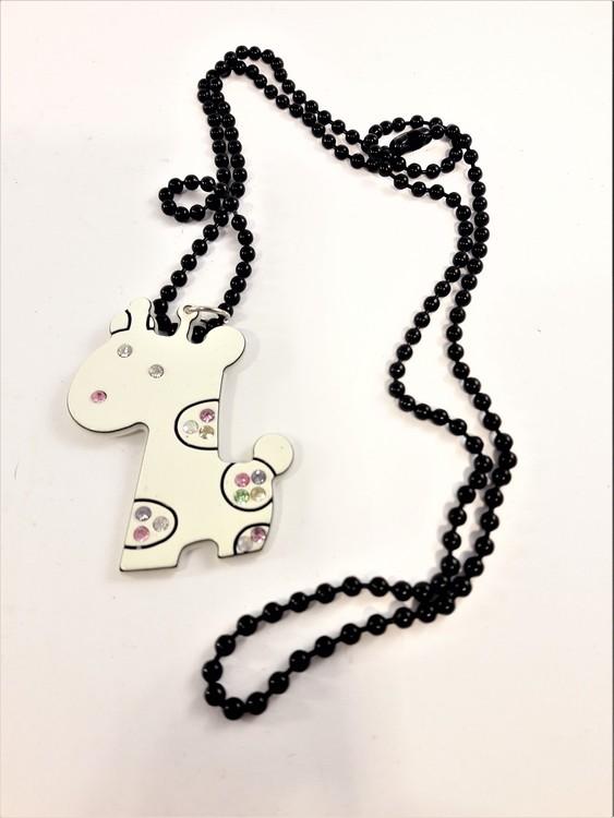 Halsband med vit giraff och strass