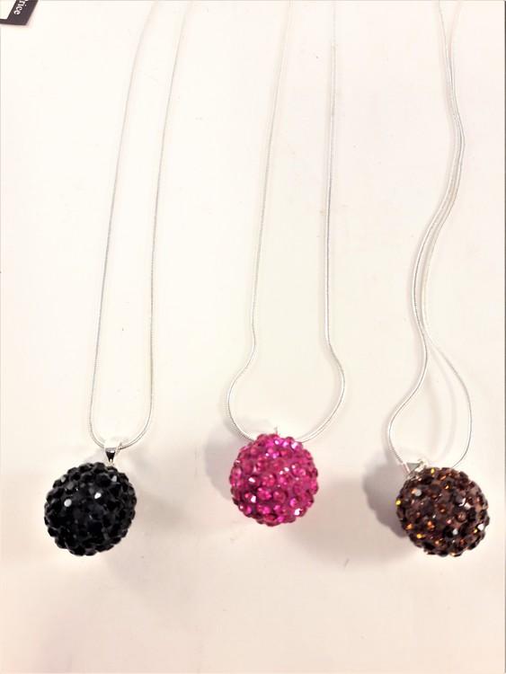 Halskedja med bollar av gnistrande stenar, svart, orange eller rosa