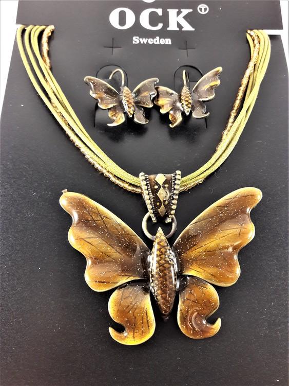 Flerradigt halsband med vacker glittrande brun fjäril och matchande örhängen