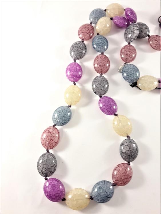 Halsband med Ovaler Olika Färger