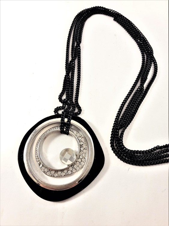 Halsband i svart med glittrande strass