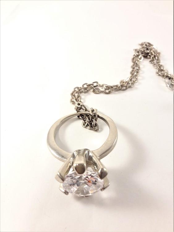 Halsband med Ring Silverfärg och Transparent Sten