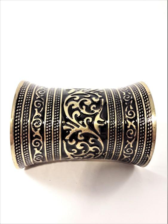 Stelt Brett Armband med Mönster Guldfärg