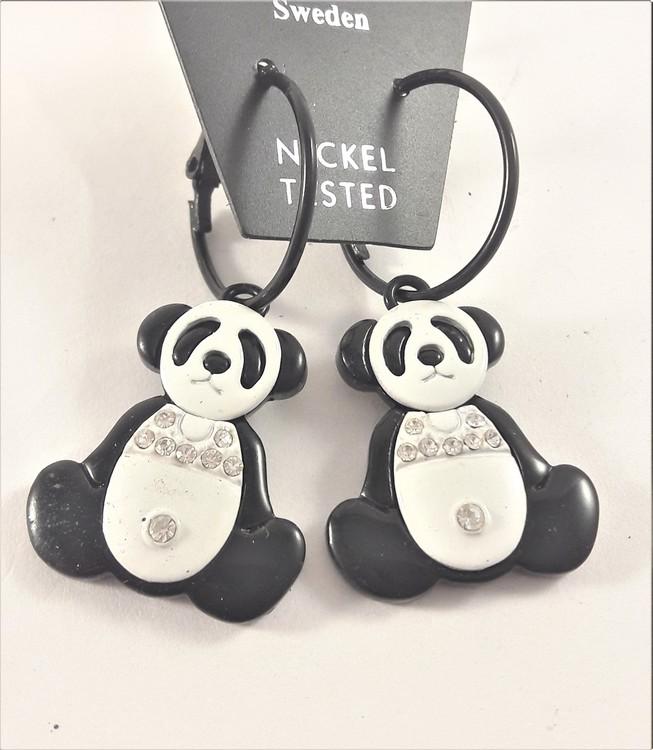 Örhänge med supersöta pandor och strass