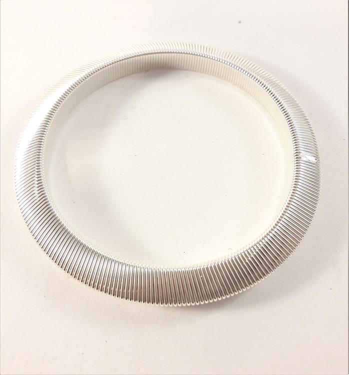 Armband i metall, slätt, vitguldsfärgat