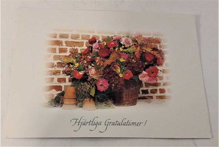 """Kort/vykort med blomsterkorgmotiv, """"Hjärtliga gratulationer"""""""