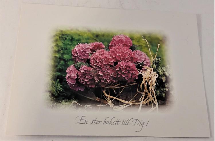 """Kort/vykort med blommotiv, """"En stor bukett till dig"""""""