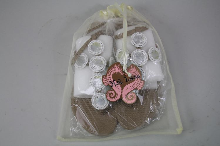 Hot Lava, sandaler, vita pärl dekorationer