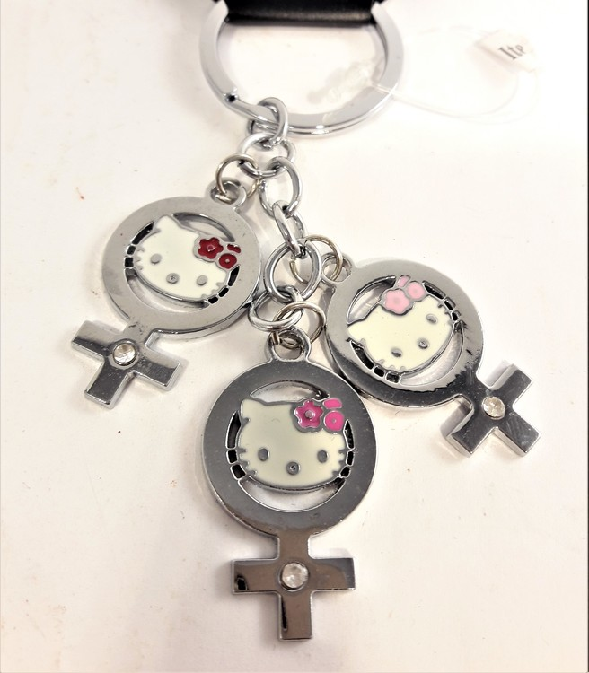Nyckelring med Hello Kitty-motiv, 3 berlocker