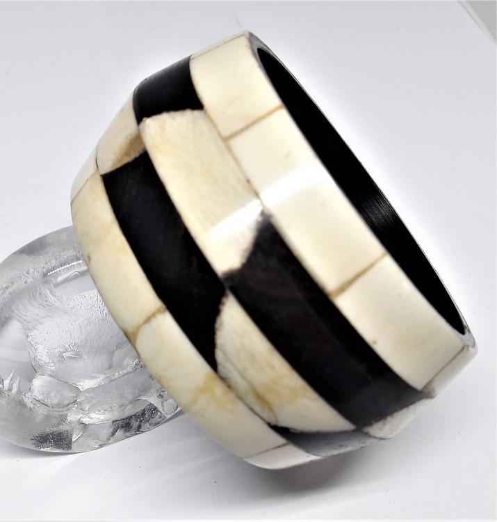 Stelt armband svart/vitt, av buffelben-/horn, I