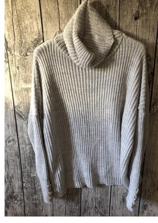 Bianca  kort grå stickad tröja