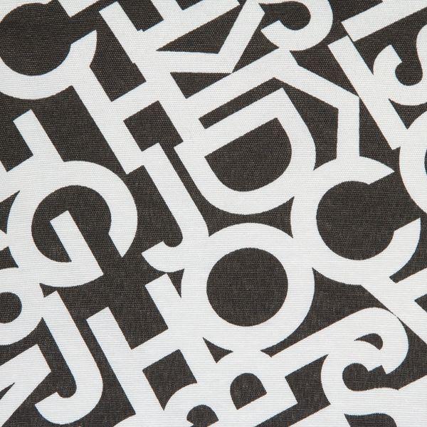 kudde-bokstaver-svart-60-x-60-x-10-cm-by-loom-in-bloom (2)
