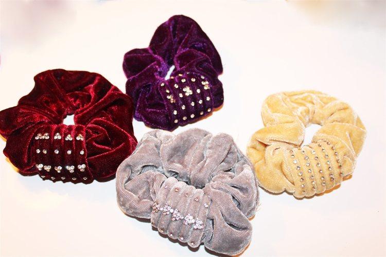 4x-harsnoddar-scrunchies-i-sammet