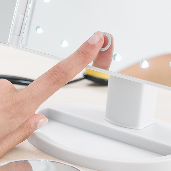 24-led-ljus-trippel-touchspegel