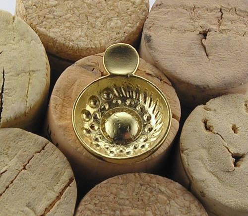 Brosch i guldförgyllt silver taste de vin