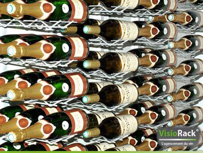 Vinställ vägghängd för 27 stycken vinflaskor