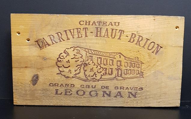 Träskylt från gammal trälåda Larrivet Haut Brion