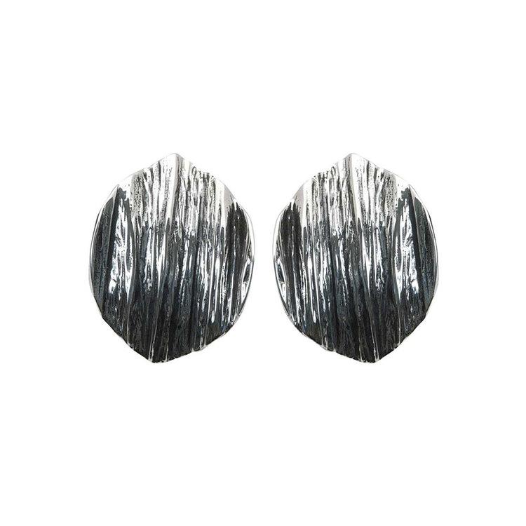 Örhängen Black Leaves Oxiderat Silver