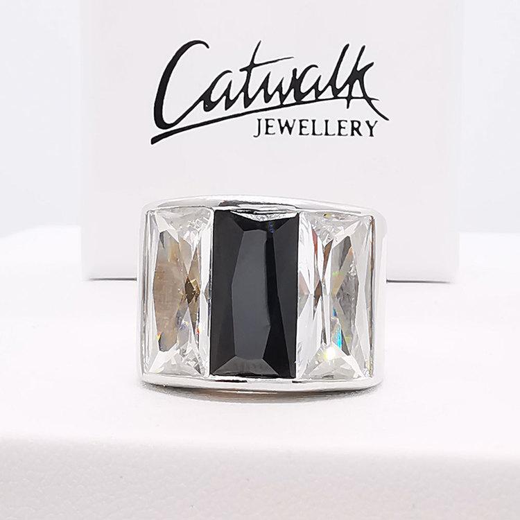 snygg ring i silver BLACK AND WHITE från Catwalk Jewellery