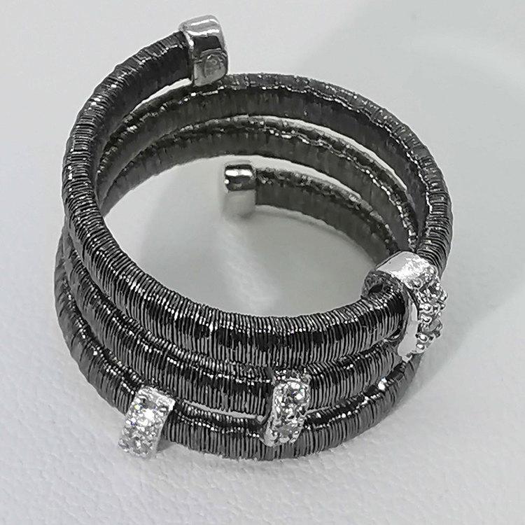 cool ring i svart silver Aurora från Catwalk Jewellery