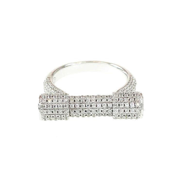 snygg ring i silver med cz-stenar Ellie från Catwalk Jewellery