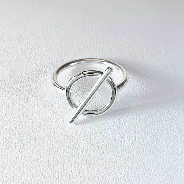 cool ring Alessa i sterlingsilver från Catwalk Jewellery