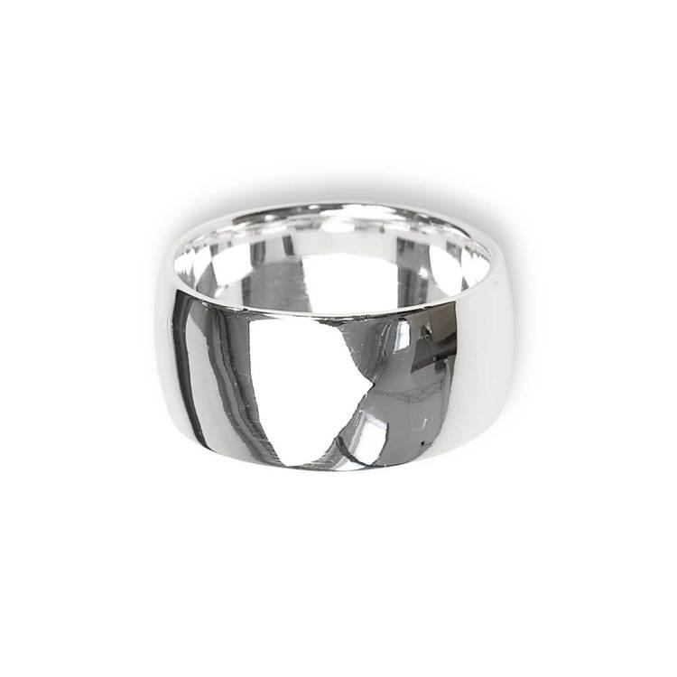 snygg och läcker kupad ring i silver från Catwalk Jewellery