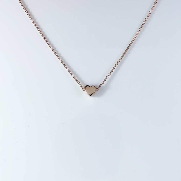 vackert halsband small heart i roseförgyllt silver från Catwalk Jewellery