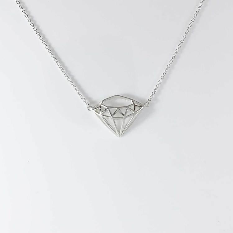snyggt halsband diamond i silver från Catwalk Jewellery
