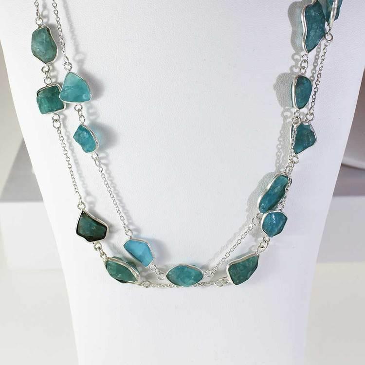 """Halsband med """"Apatite""""-ädelstenar - 85 cm"""