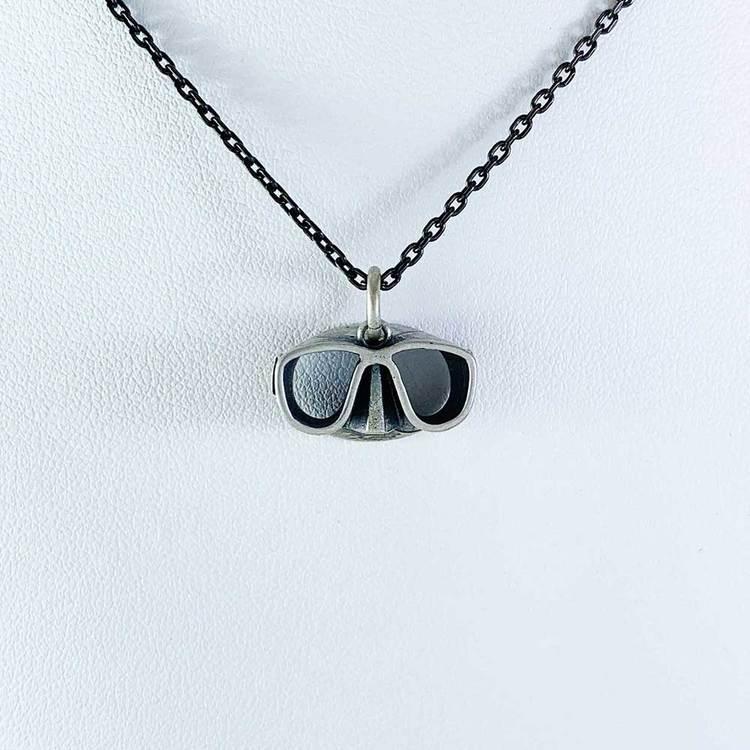 Hänge [CYCLOPS] i oxiderat 925 silver