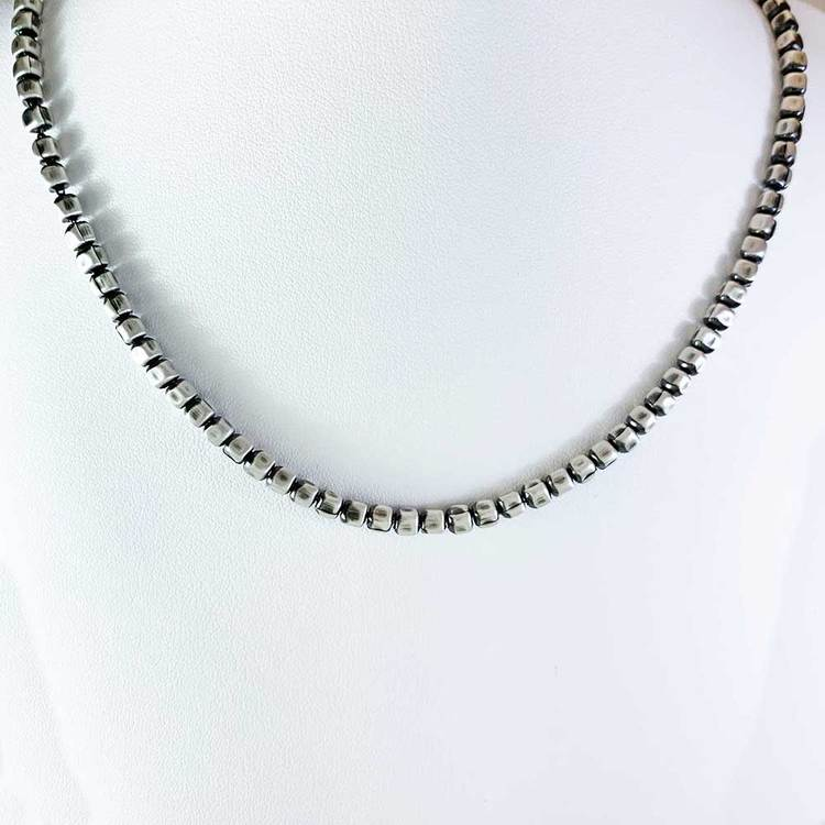 Fyrkantig kulkedja i oxiderat 925 silver - Halsband