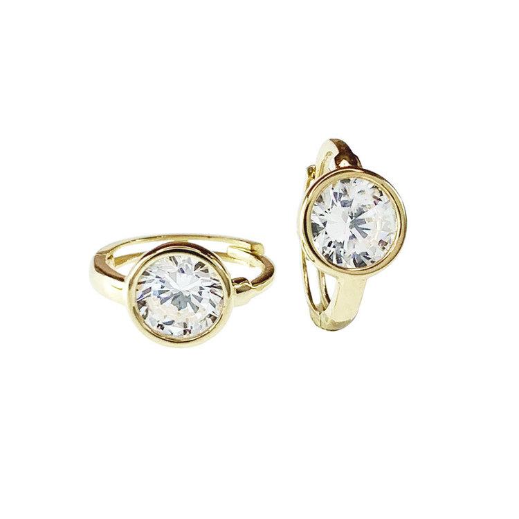 Vackra creoler i 18K guld med rund cz-sten från Catwalk Jewellery