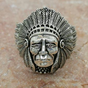 snygg indian ring i oxiderat silver från Catwalk Jewellery