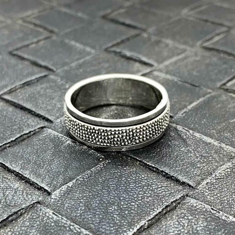 Spinning-ring Dots i 925 oxiderat silver