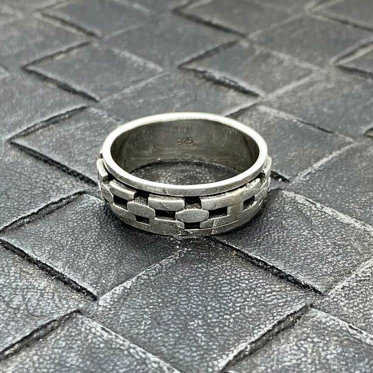 Spinning Ring Chain Link Oxiderat Silver