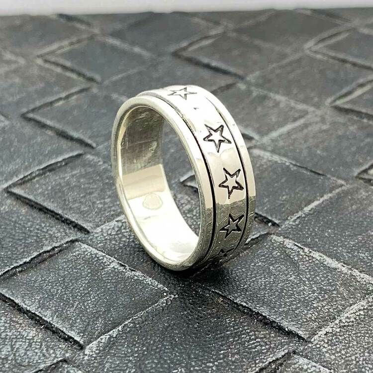 Spinning-ring Stars i 925 oxiderat silver