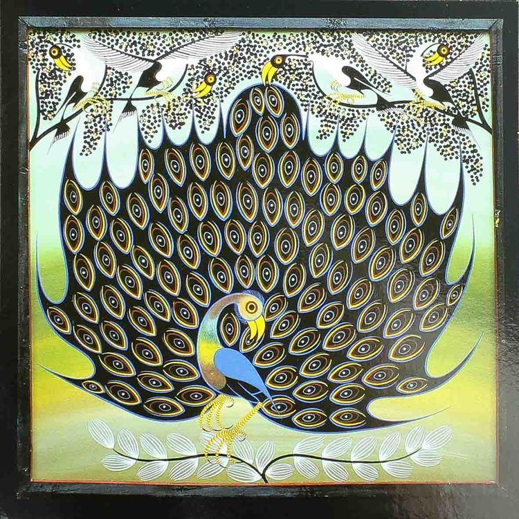 Tingatinga vykort från Tanzania, motiv med påfågel. Naivistiska målningar, Tinga Tinga Arts Cooperative Society, Dar es Salaam.